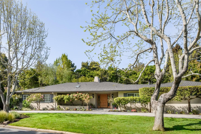 Photo for 565 Barbara Way, HILLSBOROUGH, CA 94010 (MLS # ML81842992)