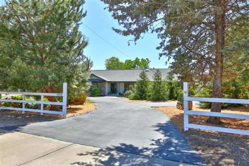 Photo of 13485 Harding Avenue, SAN MARTIN, CA 95046 (MLS # ML81842993)