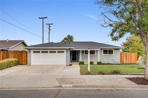 Photo of 5364 Larchwood DR, SAN JOSE, CA 95118 (MLS # ML81819995)