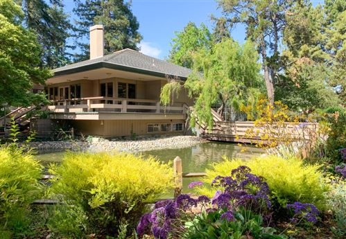 Photo of 151 Buckingham Drive #299, SANTA CLARA, CA 95051 (MLS # ML81849995)