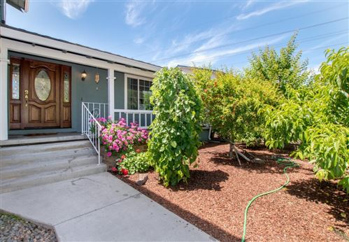 Photo of 228 Castillon Way, SAN JOSE, CA 95119 (MLS # ML81843996)