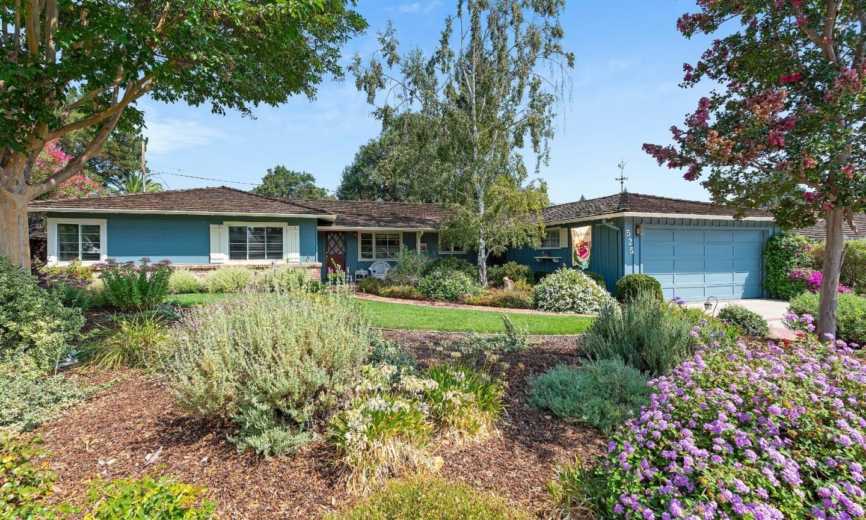 Photo for 525 Clark CT, LOS ALTOS, CA 94024 (MLS # ML81808998)
