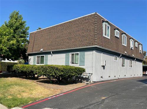 Photo of 1732 Ross Circle, SAN JOSE, CA 95124 (MLS # ML81853999)