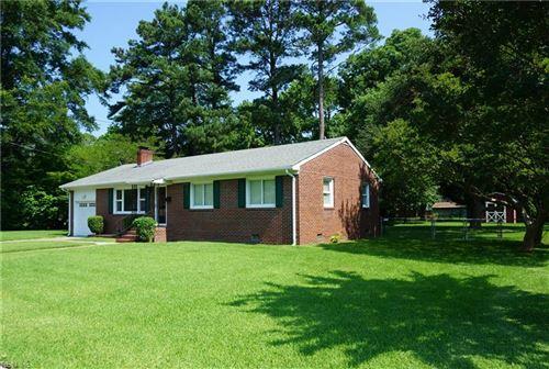 Photo of 5 Omera PL, Hampton, VA 23666 (MLS # 10329001)
