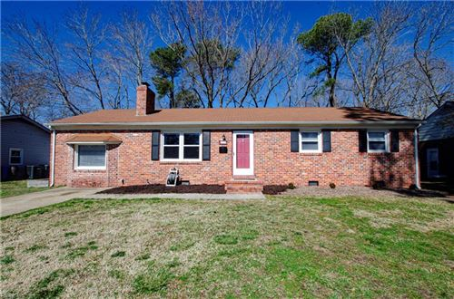 Photo of 211 Hahn PL, Newport News, VA 23602 (MLS # 10364100)