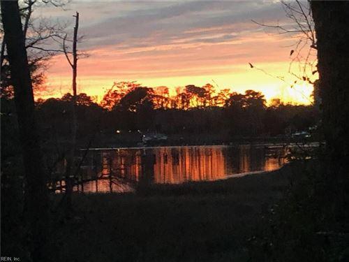 Photo of 813 Coverdale LN, Virginia Beach, VA 23452 (MLS # 10371109)