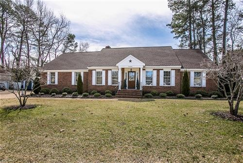 Photo of 17 Camellia DR, Newport News, VA 23602 (MLS # 10364117)