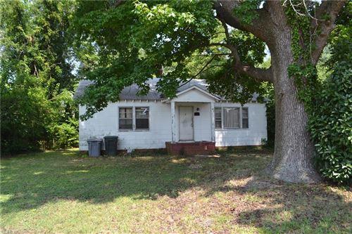 Photo of 34 W Hygeia AVE, Hampton, VA 23663 (MLS # 10392142)