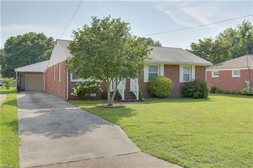 Photo of 31 Saint Albans DR, Hampton, VA 23669 (MLS # 10348146)