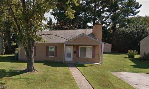 Photo of 814 Downing ST, Hampton, VA 23661 (MLS # 10358170)