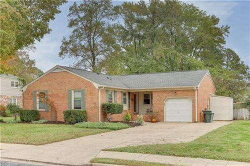 Photo of 13 Holiday DR, Hampton, VA 23669 (MLS # 10348187)