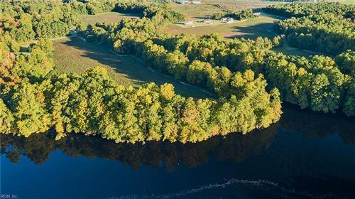 Photo of 2289 Kings Fork RD, Suffolk, VA 23434 (MLS # 10407232)