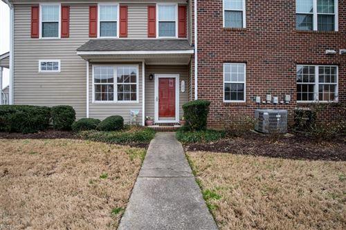 Photo of 700 Willow Green CT, Chesapeake, VA 23320 (MLS # 10361283)