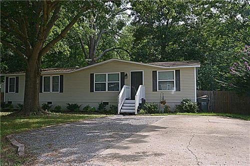 Photo of 113 Cattail LN, Yorktown, VA 23693 (MLS # 10333299)
