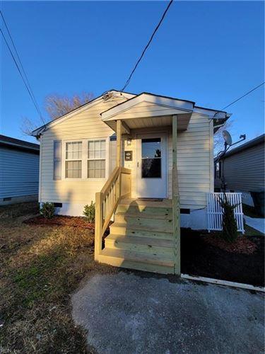 Photo of 734 Hemlock AVE, Hampton, VA 23661 (MLS # 10362317)