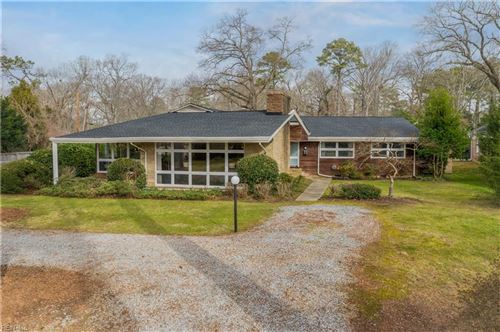 Photo of 814 Riverside DR, Newport News, VA 23606 (MLS # 10356345)