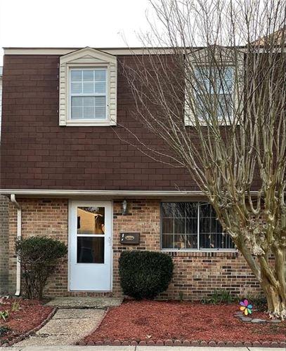Photo of 1727 Olde Buckingham RD, Hampton, VA 23669 (MLS # 10364368)