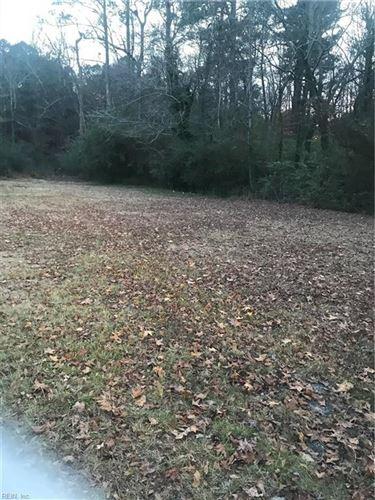 Photo of 6635 Cumberland LN, Suffolk, VA 23437 (MLS # 10291388)