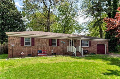 Photo of 640 Parker RD, Chesapeake, VA 23322 (MLS # 10372391)