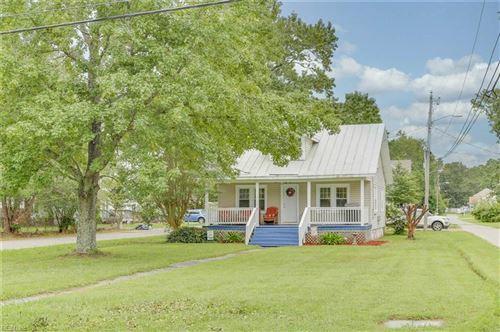 Photo of 944 Bells Mill RD, Chesapeake, VA 23322 (MLS # 10341396)