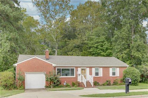 Photo of 137 Saunders RD, Hampton, VA 23666 (MLS # 10342420)