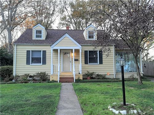 Photo of 18 Green Oaks RD, Newport News, VA 23601 (MLS # 10351434)
