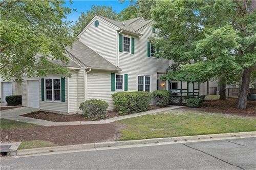 Photo of 913 Lakecrest CT, Newport News, VA 23602 (MLS # 10335442)