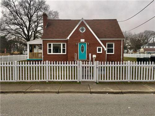 Photo of 521 Powhatan PW, Hampton, VA 23661 (MLS # 10363475)