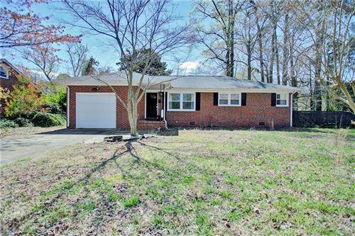 Photo of 1400 Tartan LN, Hampton, VA 23663 (MLS # 10370553)