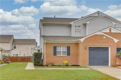 Photo of 414 Belmont CIR, Yorktown, VA 23693 (MLS # 10346576)