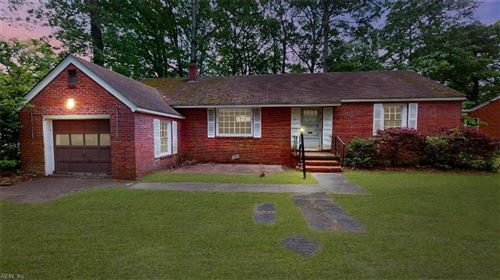 Photo of 17 Pin Oak RD, Newport News, VA 23601 (MLS # 10320639)