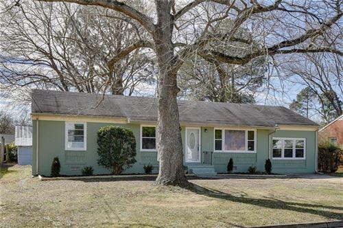 Photo of 169 Edsyl ST, Newport News, VA 23602 (MLS # 10357643)