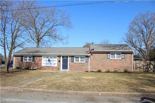Photo of 4 Teakwood DR, Newport News, VA 23601 (MLS # 10357705)