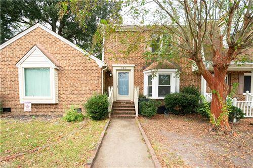 Photo of 320 Middle Oaks DR, Chesapeake, VA 23322 (MLS # 10407737)