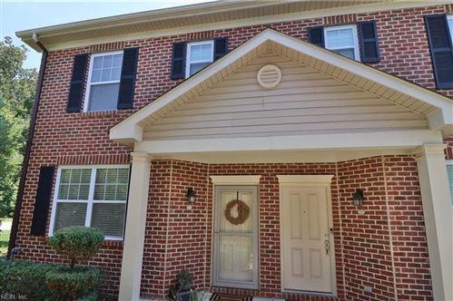 Photo of 370 Holyoke LN, Chesapeake, VA 23320 (MLS # 10328765)