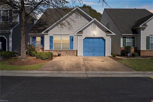 Photo of 19 Camellia LN, Hampton, VA 23663 (MLS # 10370843)