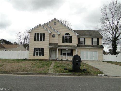 Photo of 2403 Red Oak LN, Suffolk, VA 23434 (MLS # 10310855)