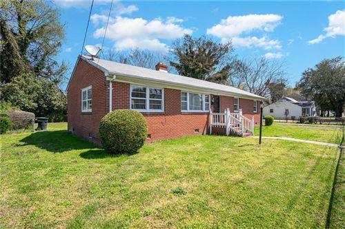 Photo of 26 W Taylor AVE, Hampton, VA 23663 (MLS # 10369859)