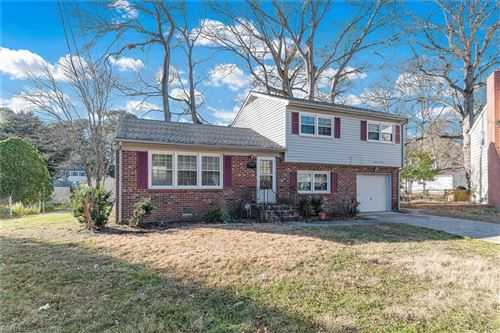 Photo of 27 Dinwiddie PL, Newport News, VA 23608 (MLS # 10356861)