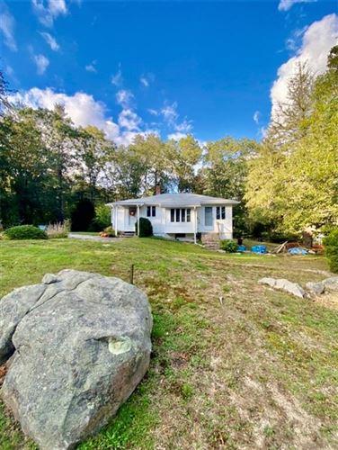 Photo of 101 Glen Rock Road, South Kingstown, RI 02892 (MLS # 1296086)