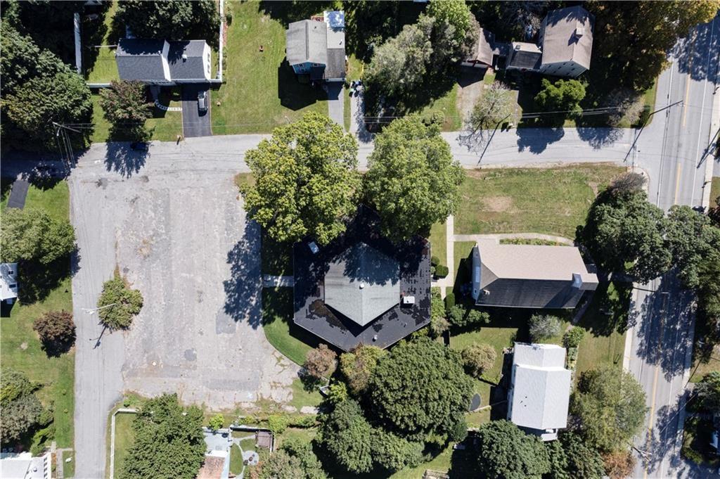Photo of 366 Warwick Neck Avenue, Warwick, RI 02889 (MLS # 1296363)