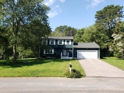 Photo of 62 Tomahawk Circle, North Kingstown, RI 02874 (MLS # 1293755)