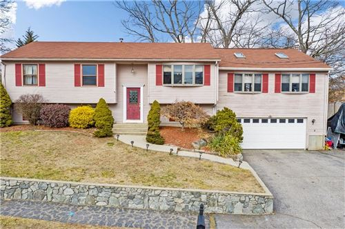Photo of 11 Candle DR, Cranston, RI 02920 (MLS # 1246902)