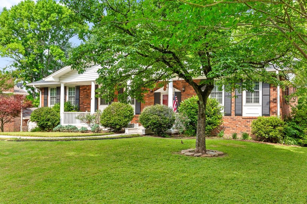 Photo of 3003 Oakland Drive NW, Cleveland, TN 37312 (MLS # 20213051)