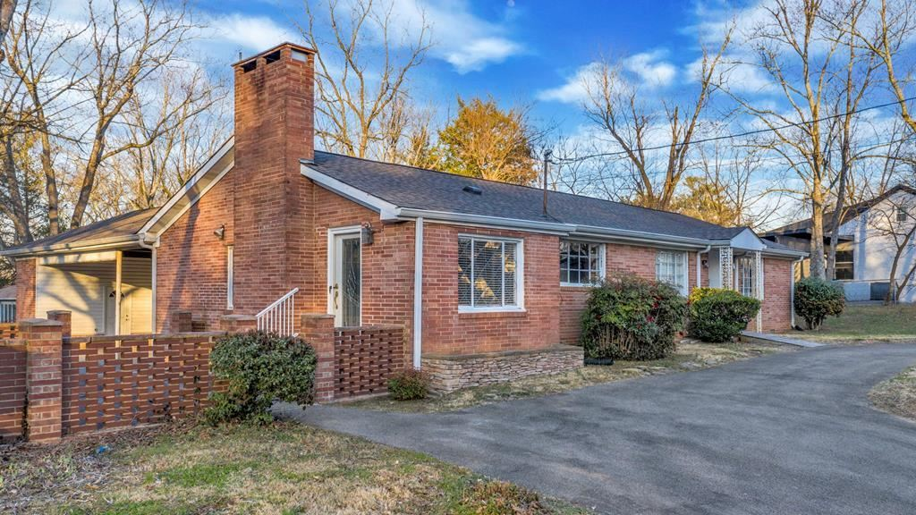 Photo of 1004 17th Street NW, Cleveland, TN 37311 (MLS # 20211126)