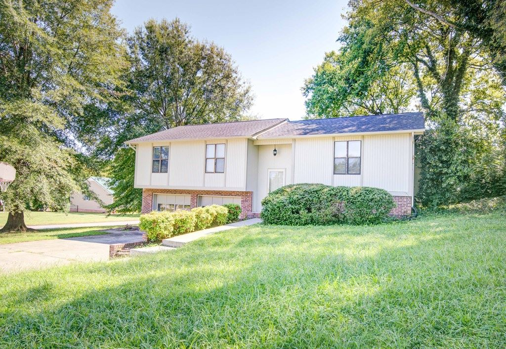 Photo of 222 Windtrace, Cleveland, TN 37312 (MLS # 20207197)