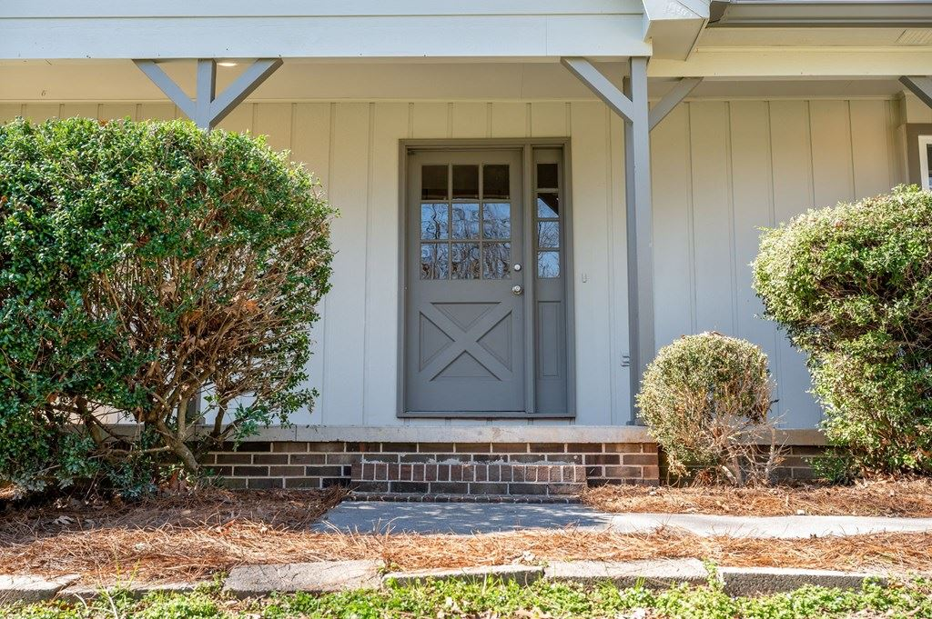 Photo of 912 Irongate, Cleveland, TN 37312 (MLS # 20211287)