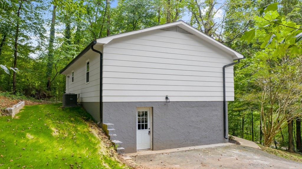 Photo of 503 Moore, Cleveland, TN 37312 (MLS # 20207333)