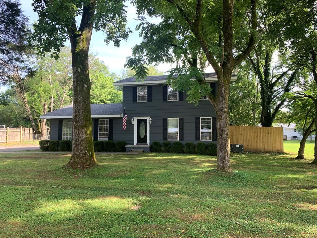 Photo of 2041 Old Georgetown St, Cleveland, TN 37312 (MLS # 20205526)