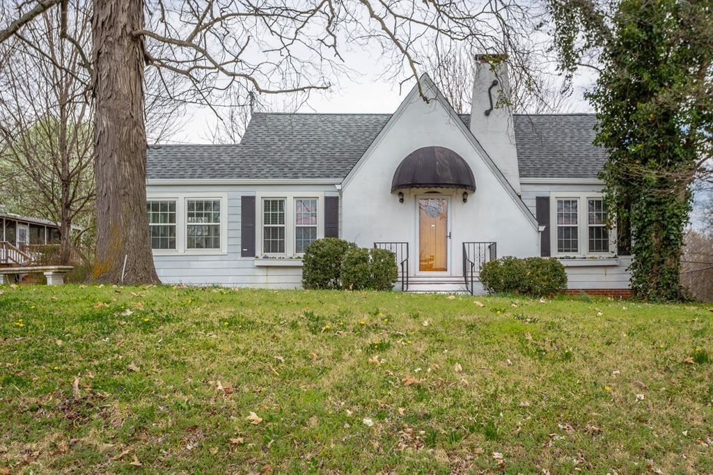 Photo of 908 Harrison Pike NW, Cleveland, TN 37311 (MLS # 20211539)